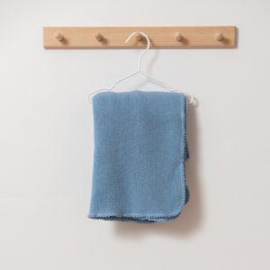 Couverture bébé en laine mérinos bio bleu Reiff