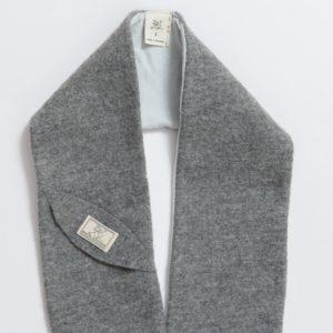 Écharpe en laine mérinos bouillie bio gris Pickapooh