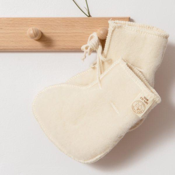 Chaussons de naissance en laine mérinos bio écru Lana Care
