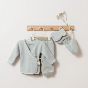 Ensemble de naissance en laine mérinos bio Lana Care gris